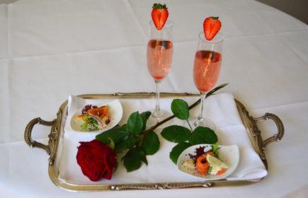 Angebote | Rosenflirt Apéro im Restaurant Bürgisweyerbad